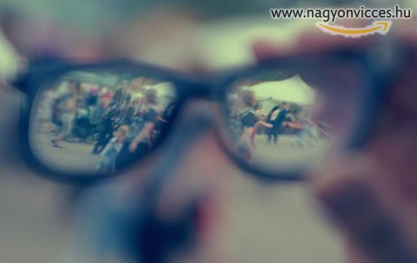 Szemüveg nélkül