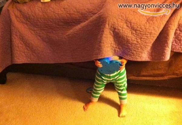 Bújócska gyerek módra
