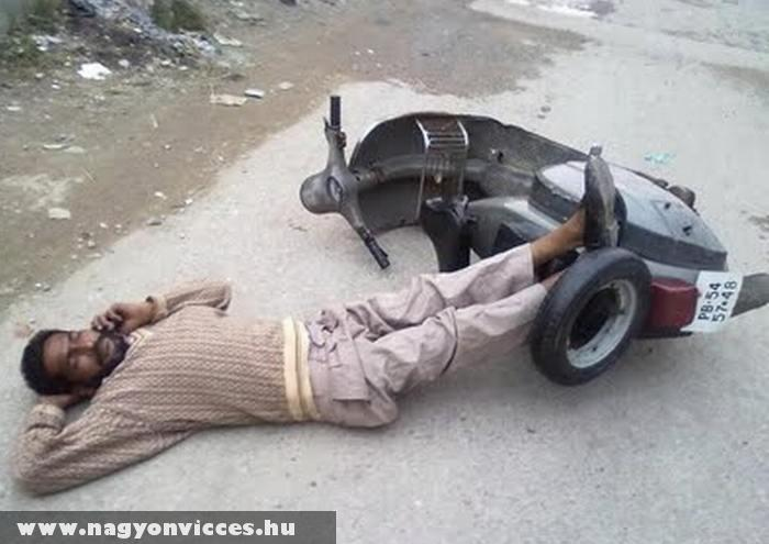 Elfáradt motoros