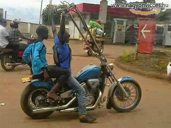 Biztos kényelmes így motorozni