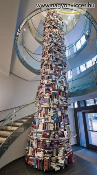 Ez ám a könyvespolc!