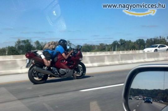 Kényelmes motorozás