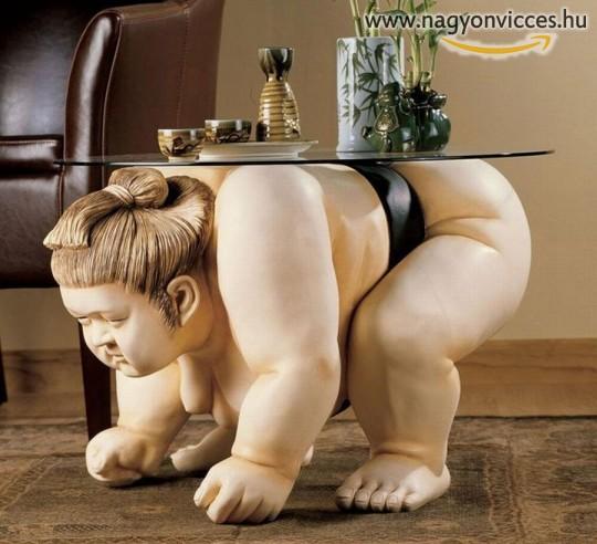 Különleges asztal a nappaliba