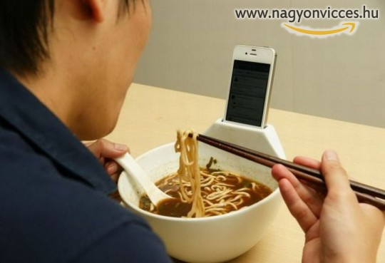 Telefontartós tányér függőknek