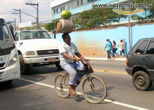 Ügyes biciklis