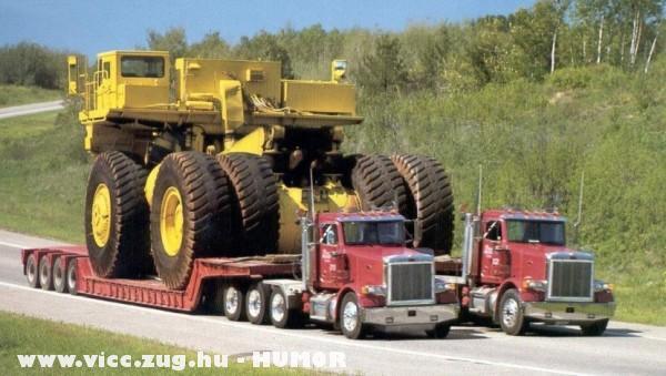 Két kamionnal