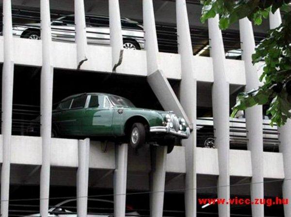 Drágám! Sikerült leparkolnom!