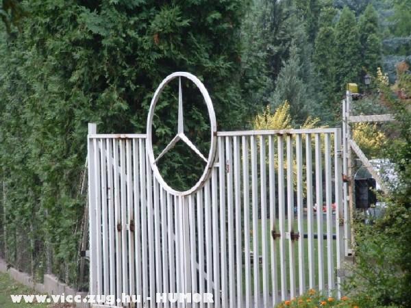 Mercedes mániás tulajdonos