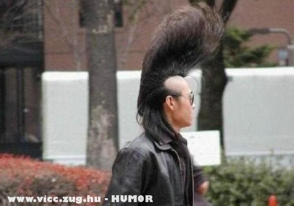 Divatos hajszerkezet