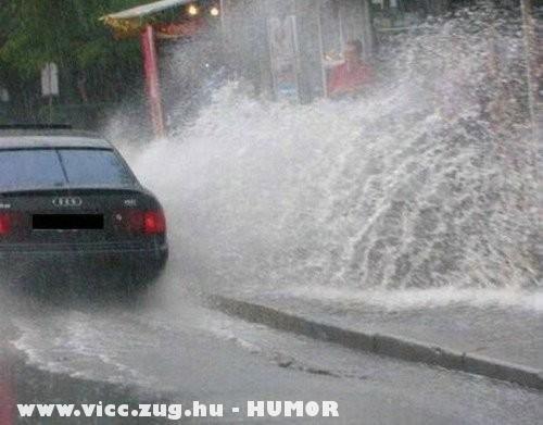 Figyelmes autós