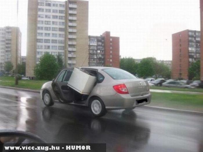 Szállítmány a Renaultban