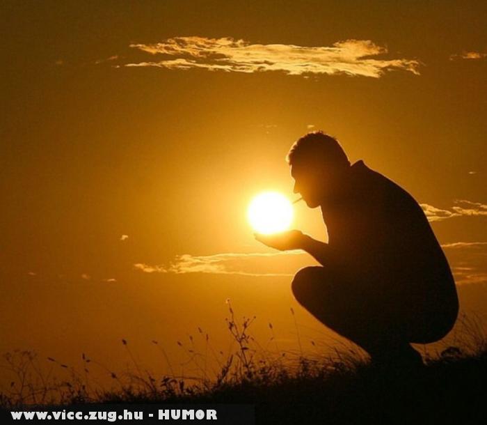 Kezében a Nap