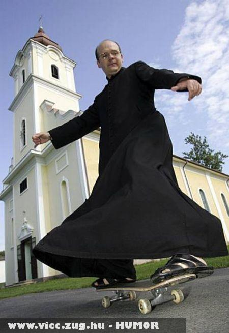 Gördeszkás pap
