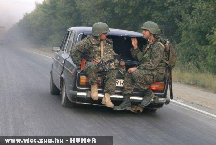 Kölcségcsökkentés a katonaságnál