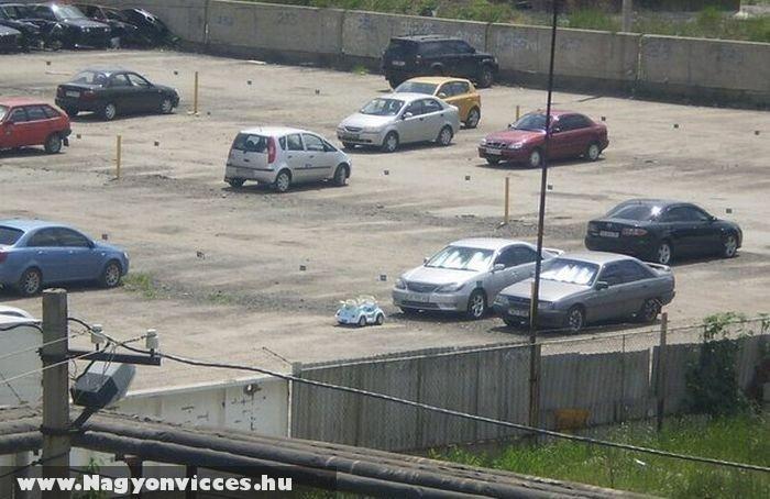 Parkoló kicsiknek és nagyoknak