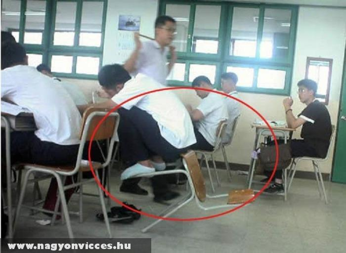 Furcsa diák a suliban