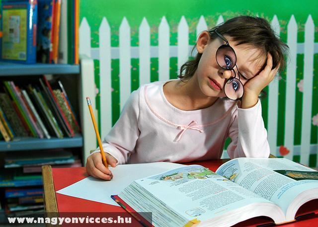 Anyu épp tanulok