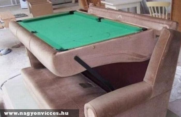 Kanapéba rejtett biliárdasztal