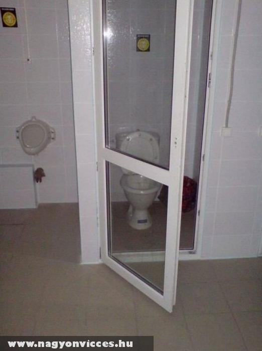 Üveges wc ajtó