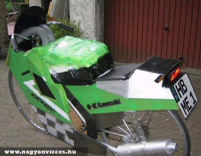 Motorbicikli szó szerint
