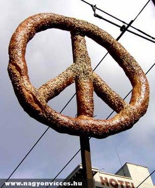 Óriás perec a békéért
