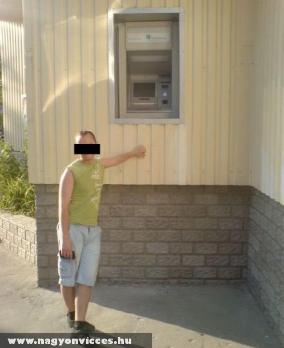 Bankautomata 2méter felettieknek