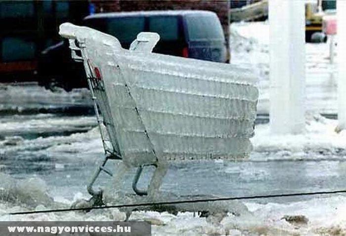 Fagyott bevásárlókocsi