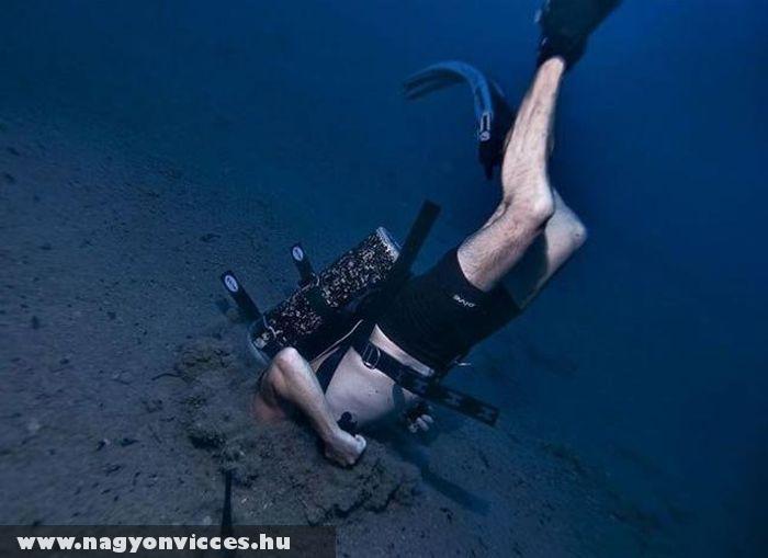 A tenger alján