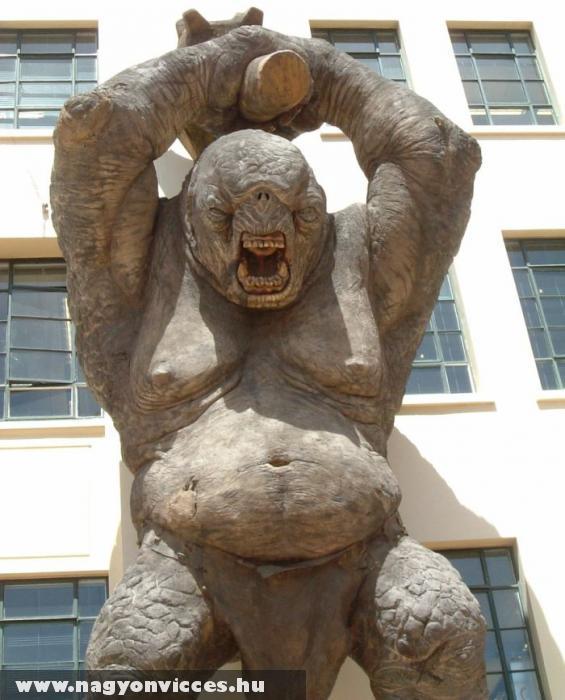 Troll fából
