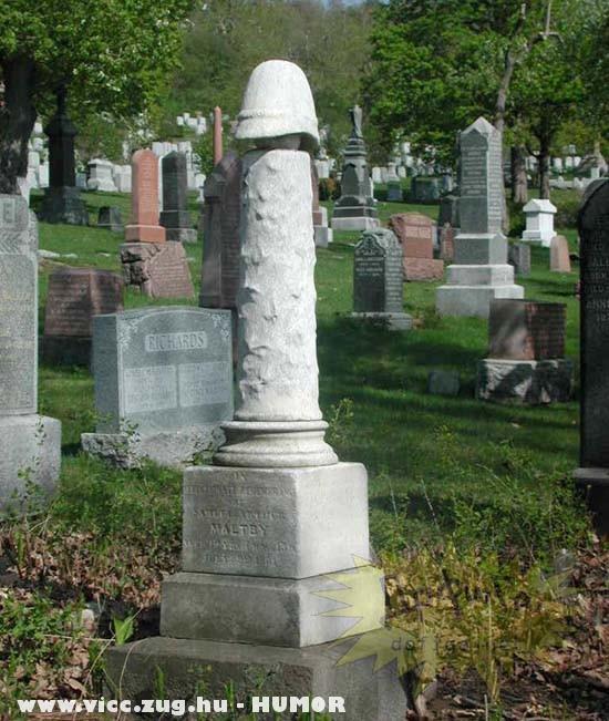 Még a sírköve is fallosz!