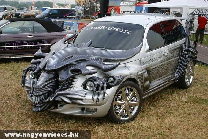 Alien autó