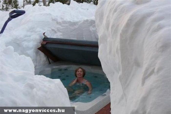 Jakuzzi a hóban