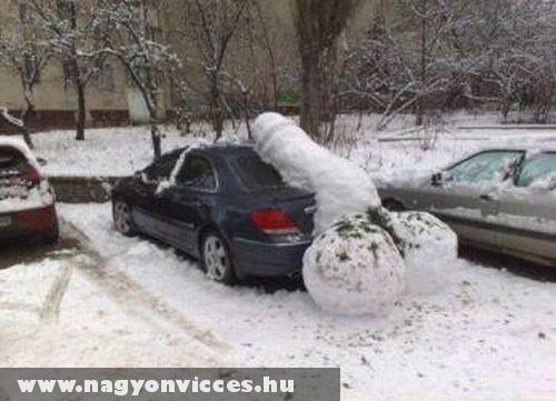 Gigantikus hó fallosz