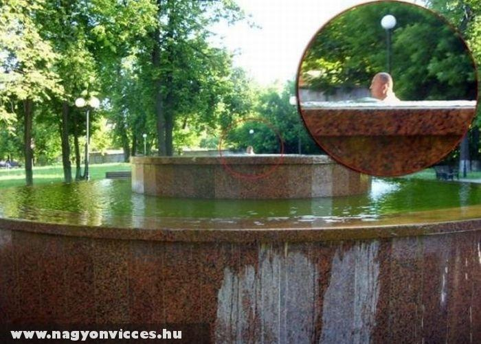 Fürdõzés a szökõkútban