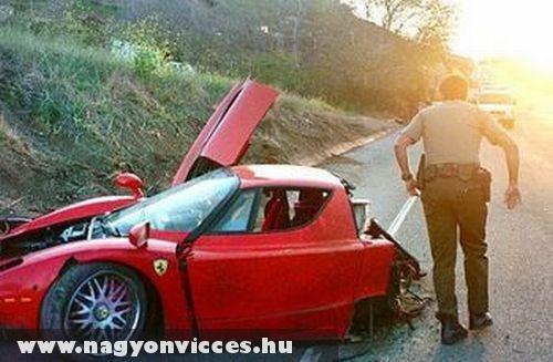 Kettészakadt Ferrari