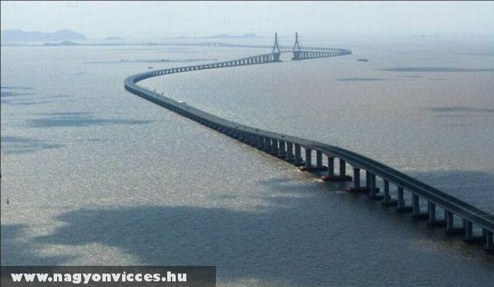 Hatalmas híd