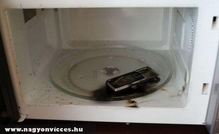 Mikrózott telefon