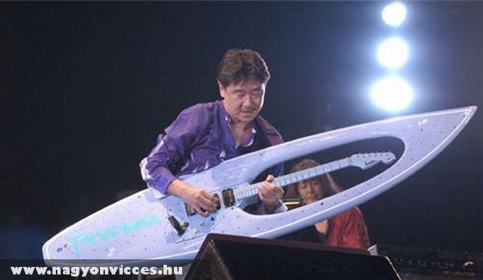 Szörfdeszka gitár