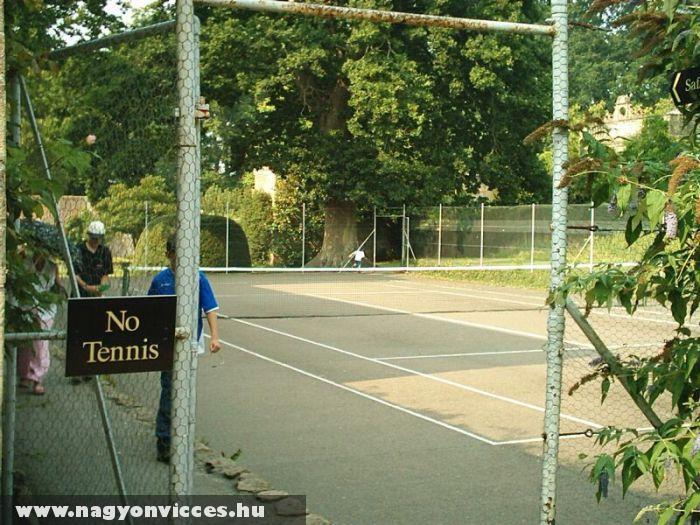 Teniszezni tilos