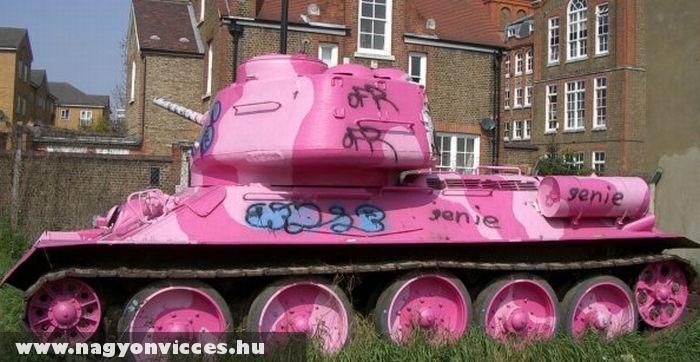 Elég lányos tank