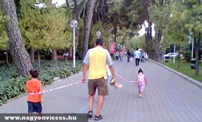 Gyerek sétáltatás