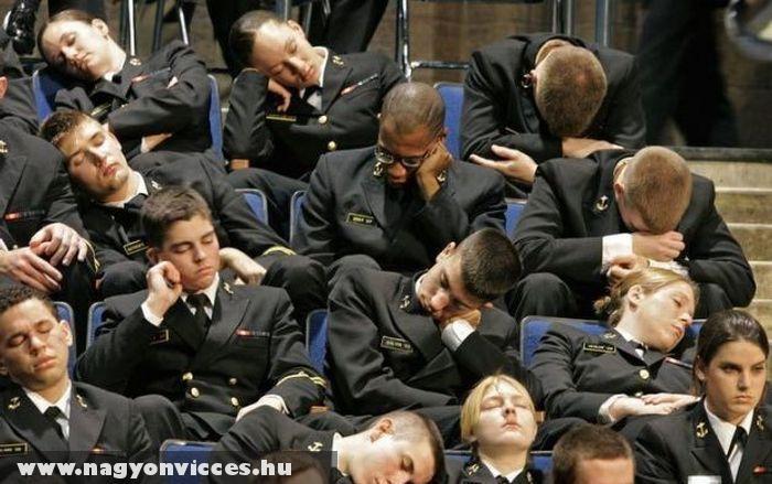 Éber katonák