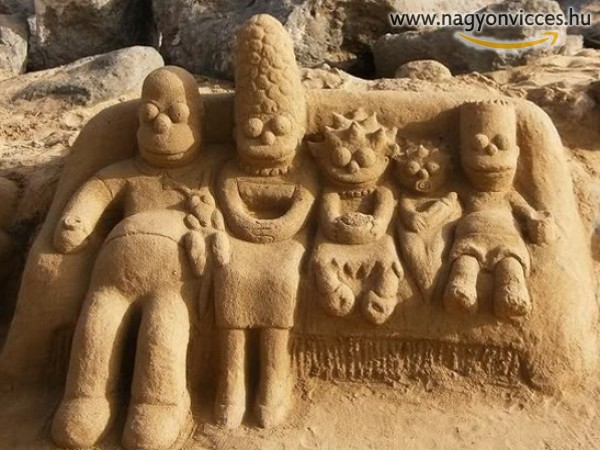 Simpsons Family On The Beach