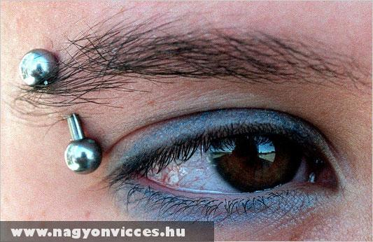 Szemöldök piercing