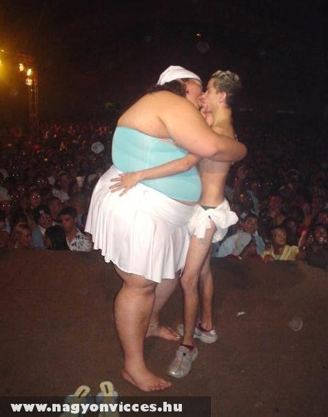Egy színpadi csók :D