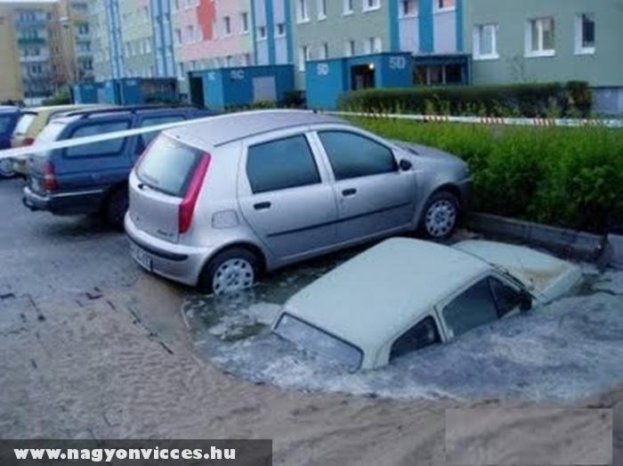 Ez a kocsi elsüllyedt :D