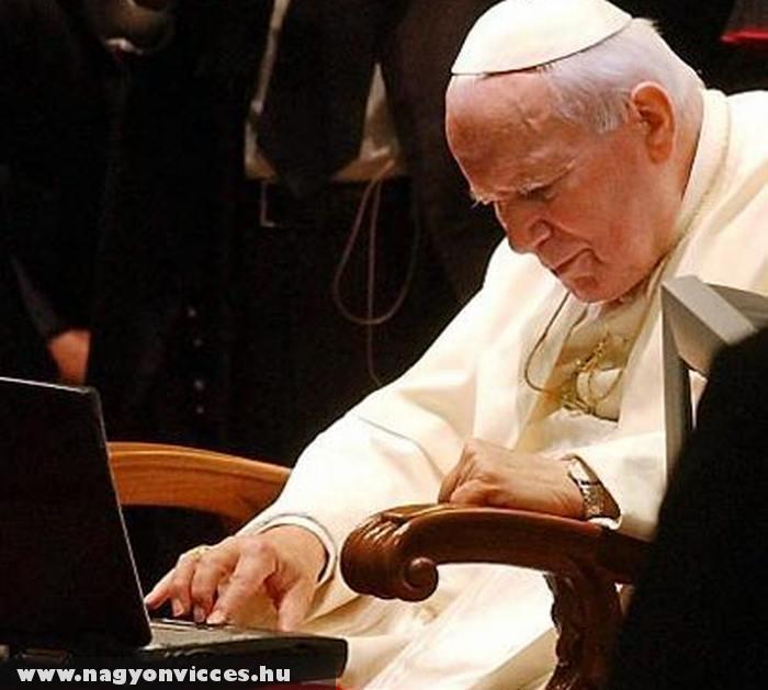 Felugrott a Pápa a Facebookra