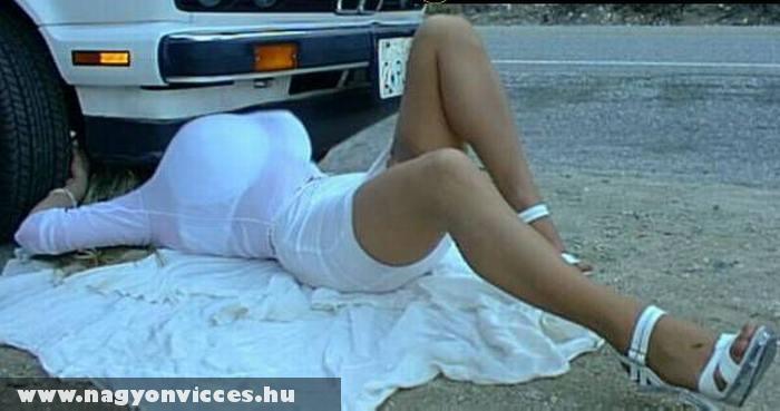 Autószerelés közben
