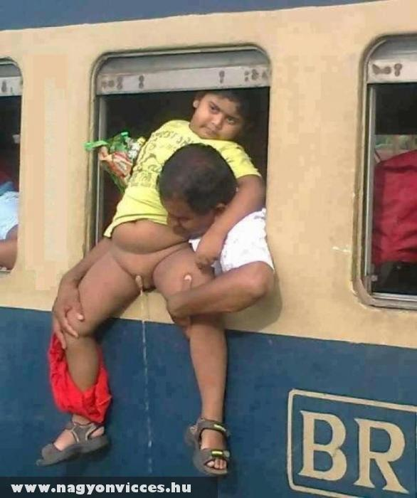MÁV higiénia :D - vonat pisi
