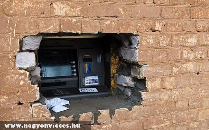 Így kell helyet csinálni egy ATM-nek